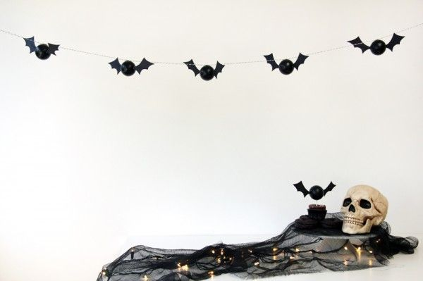 DIY de Halloween Bat Garland