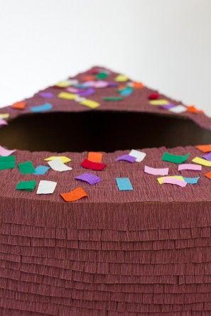 DIY de la torta de cumpleaños del traje de la Etapa 11