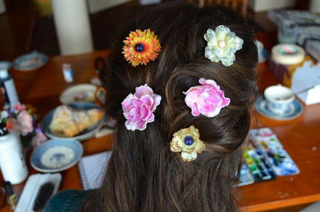 Cómo hacer la flor de los accesorios del pelo para niñas | http://artesaniasdebricolaje.ru/flower-hair-accessories-fit-for-a-princess/