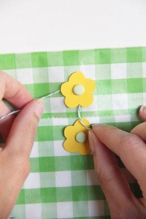 DIY-flor-favor-bags