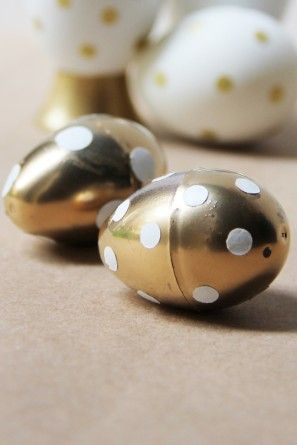 punto-pascua-huevos bricolaje-oro-polka-