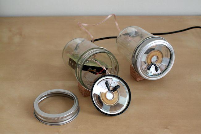 DIY Mason Jar Speaker Set - En el interior