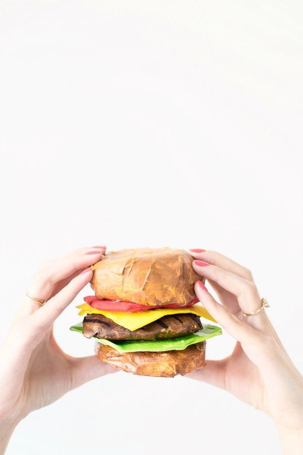 DIY Papel Mache hamburguesa