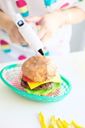 Papel Mache DIY hamburguesa + Fries