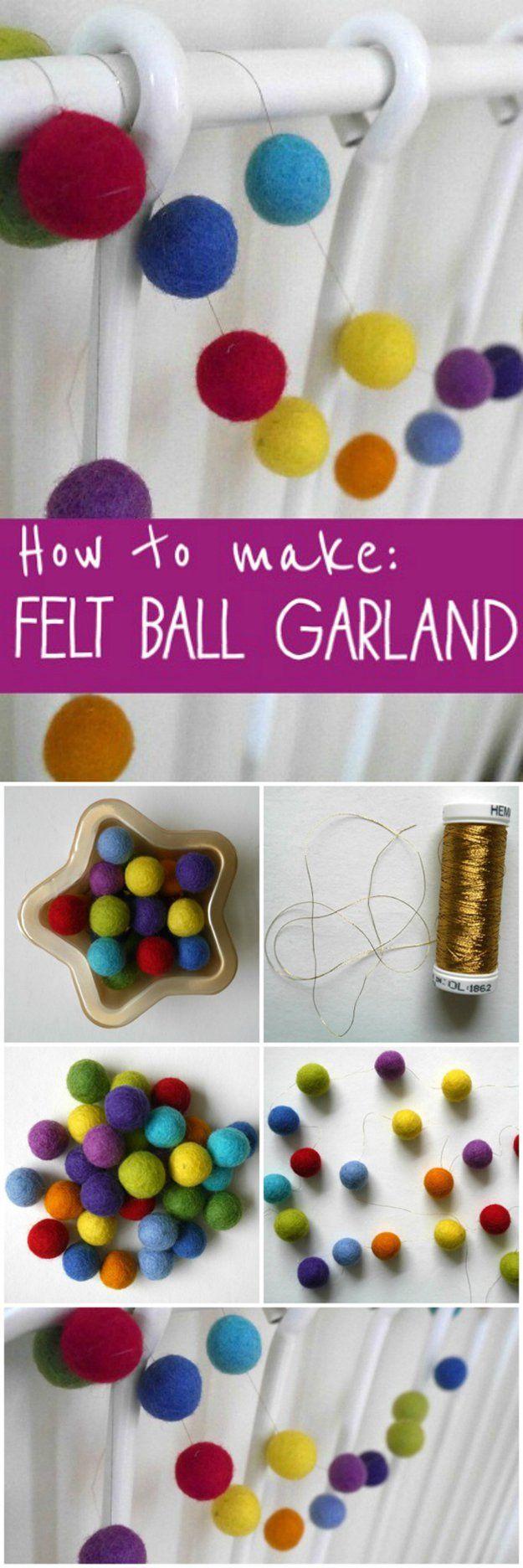 Cómo hacer un DIY fieltro Bola Garland | http://artesaniasdebricolaje.ru/diy-projects-with-felt-balls/