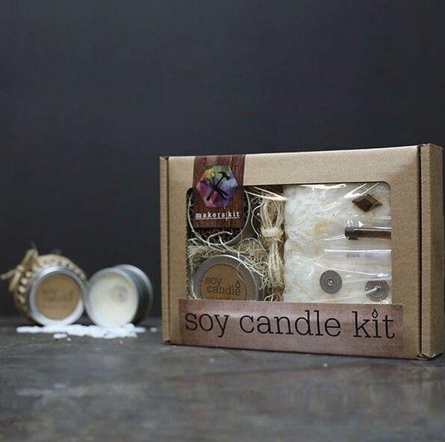 Vela de la soja kit DIY Makers | 10 DIY soja Velas Usted amará, ver más a http://artesaniasdebricolaje.ru/diy-soy-candles-10-addictive-scents-you-will-love