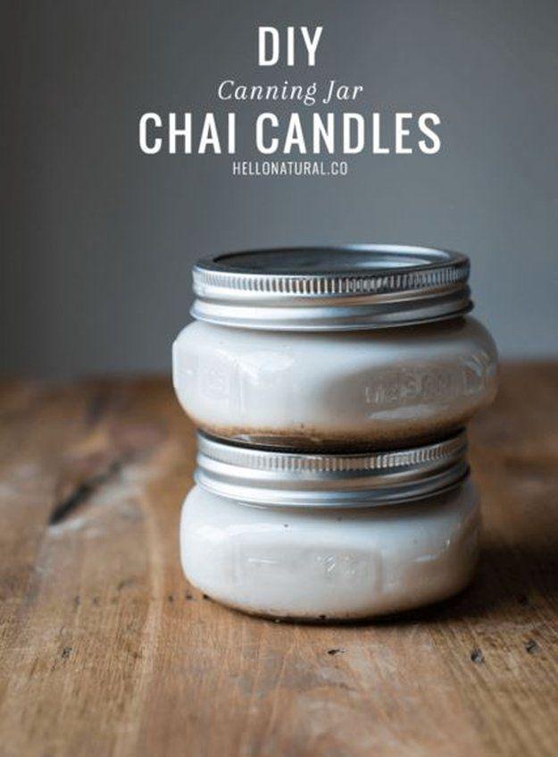 DIY Canning Jar Chai Velas | 10 DIY soja Velas Usted amará, ver más a http://artesaniasdebricolaje.ru/diy-soy-candles-10-addictive-scents-you-will-love