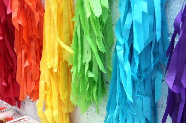 DIY Telón de fondo del arco iris de la franja