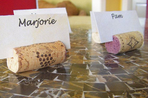 wine-cork-crafts-wine-corks-wine-cork-wreath-wine-cork-board-cork-crafts-wine-cork-projects-wine-cork-art-wine-cork-art