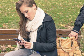 Fotografía - ¿Tiene un teléfono inteligente aumenta el riesgo de robo de identidad?