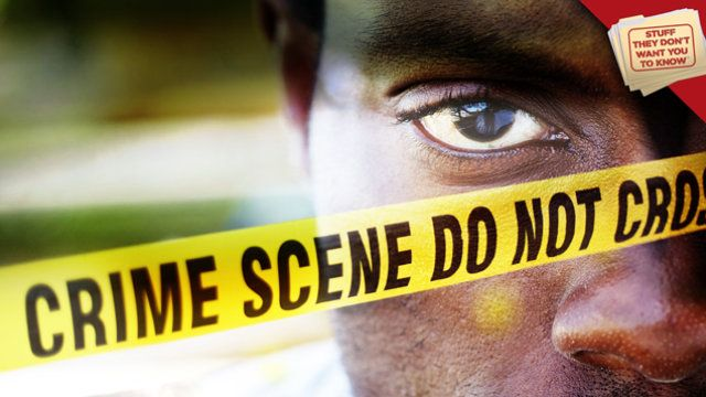 Cosas Ellos Don't Want You to Know: Are the police targeting minorities?