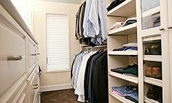 Construye tu propio armario bien organizado.