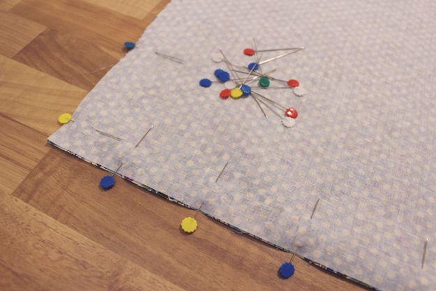 Ideas cojín DIY lindo | http://artesaniasdebricolaje.ru/fat-quarter-throw-pillow/