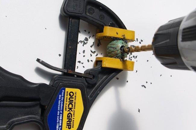 Agujero de perforación en cuentas de madera