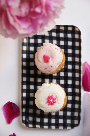Magdalenas rosadas Dessert Bar etiquetas