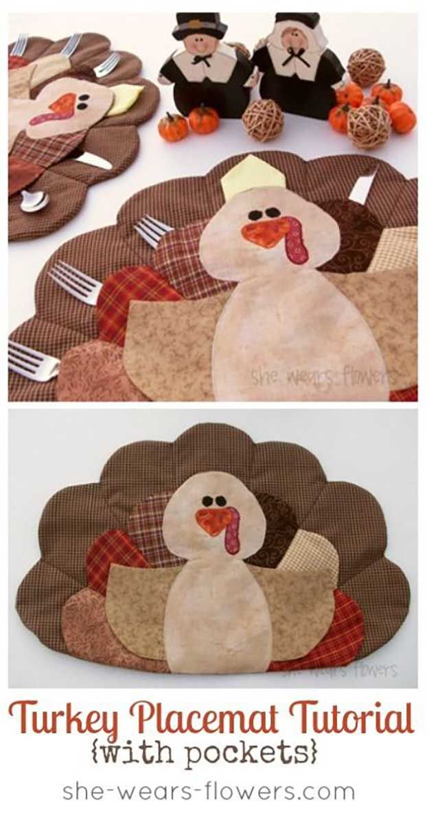 DIY Turquía Placemat Tutorial Con bolsillos | 14 Manteles DIY para Acción de Gracias, échale un vistazo a http://artesaniasdebricolaje.ru/homemade-thanksgiving-decorations-14-diy-placemat-ideas