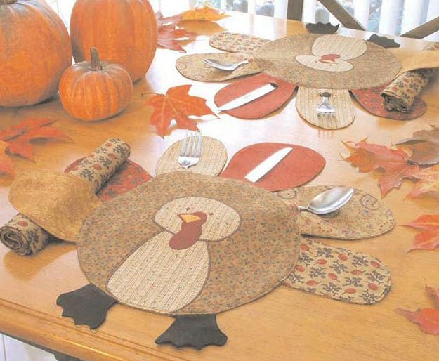 Acción de Gracias Placemat Patrón | 14 Manteles DIY para Acción de Gracias, échale un vistazo a http://artesaniasdebricolaje.ru/homemade-thanksgiving-decorations-14-diy-placemat-ideas