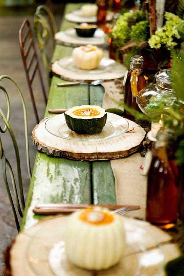 DIY rústica de madera Slice Manteles | 14 Manteles DIY para Acción de Gracias, échale un vistazo a http://artesaniasdebricolaje.ru/homemade-thanksgiving-decorations-14-diy-placemat-ideas