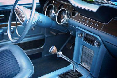 Interior del automóvil clásico.