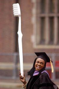 Graduado de la escuela dental.