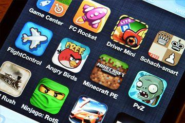 Una colección de aplicaciones de juego en un iPhone