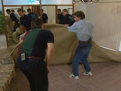 Gimme Shelter: La eliminación de la alfombra