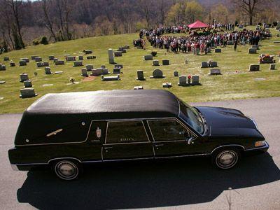 El coche fúnebre de estilo landó se originó en la década de 1930
