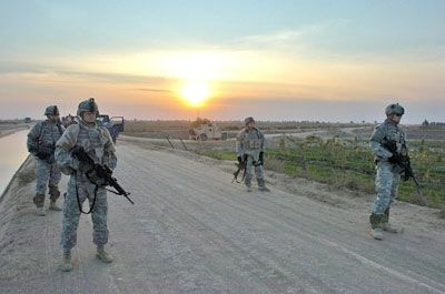 ¿Cómo es el diferente de la Guardia Nacional del Ejército regular?
