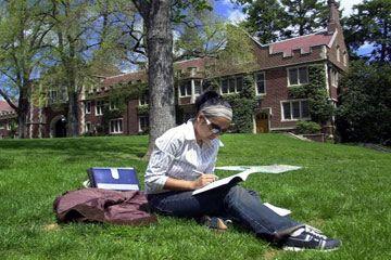 Estudiante que estudia en la Universidad de Princeton.