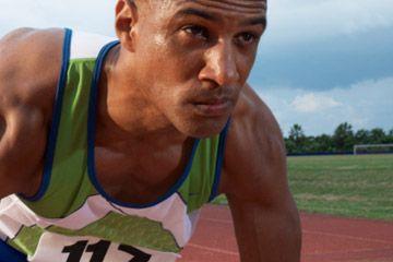 concentrándose corredor atleta