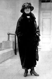 La señora Nellie Tayloe Ross, que se muestra cuando fue elegido gobernador de Wyoming en 1925.