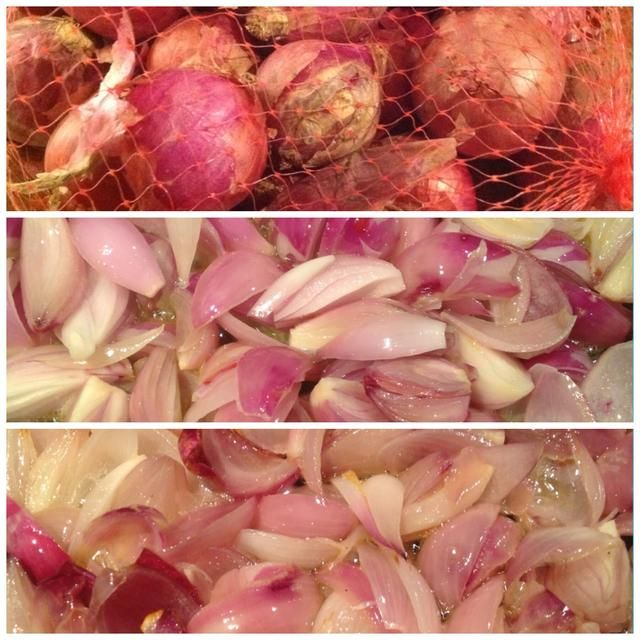 Ahora, para las cebollas caramelizadas, poner algunas pequeñas pequeñas cebollas rojas (ocañeras) con la mantequilla a fuego lento, durante 40 minutos