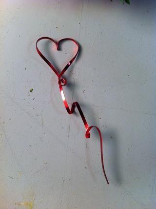 Corazón Formulario da forma con alambre plano.