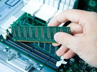Antes de comprar RAM para el escritorio, es necesario averiguar qué tipo de usuario es usted. ¿Utiliza su escritorio para tareas menores, o eres un jugador empedernido?