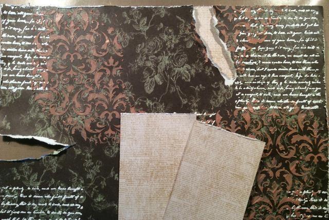 Elija colores contrastantes para ser pegado detrás de sus secciones rasgados. También distessed los bordes de los documentos.