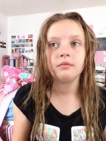 Cuando salgo de la ducha mis piezas de pelo en el lugar equivocado por lo que este le mostrará cómo simplemente parte ella.