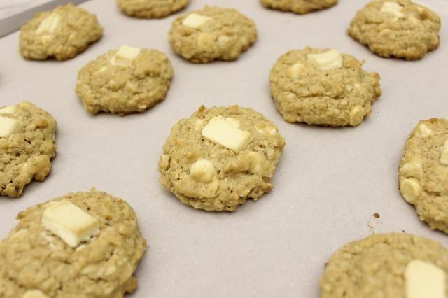 Las cookies se aplanan y se extendió un poco durante la cocción.