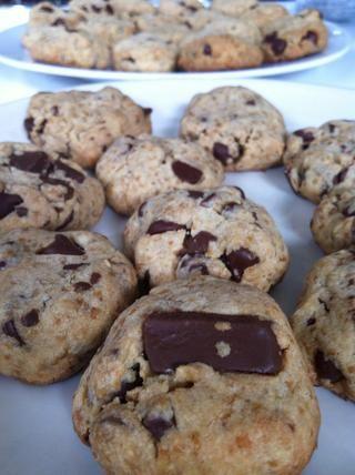 galletas deben ser un poco dorada y crujiente, pero no demasiado .... deje que se enfríe ...