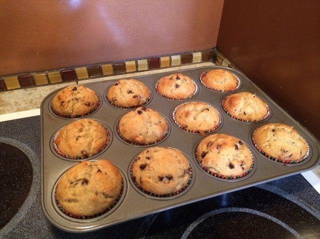 Cómo cocer al horno Plátano de viruta de chocolate Pecan Muffins Receta
