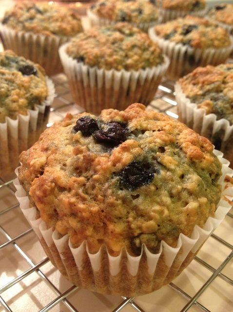 Cómo cocer al horno Blueberry-Banana Muffins Receta