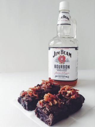 Si desea reducir la cantidad de bourbon, sugiero utilizar un cuarto de una taza en su lugar!