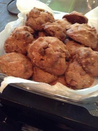 ¡Hecho! Sin mantequilla, aceite de coco con almendras y las galletas de yogur griego. ¿Califica este tan saludable? Cocina Galletas frescas! -)