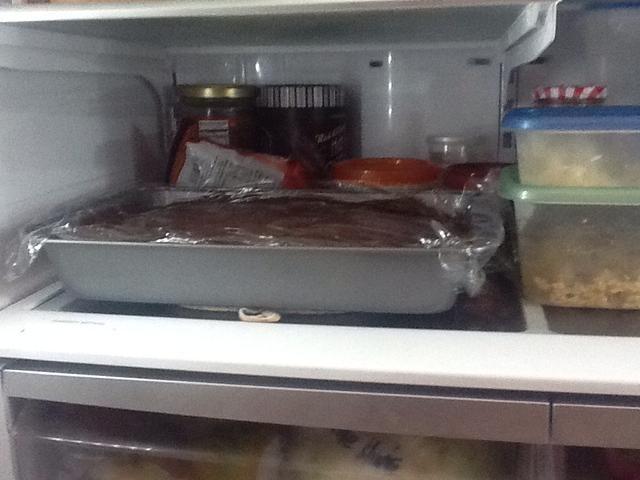 Cubra y guarde en el refrigerador durante unas dos horas.