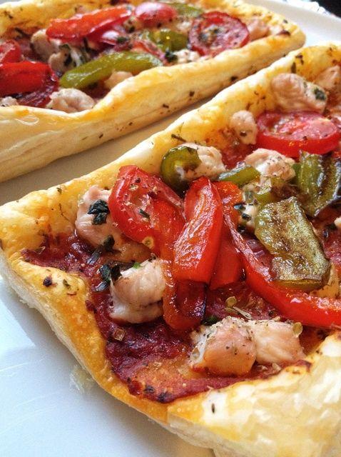 Cómo cocer al horno Fácil hojaldre Pizza de pollo Receta