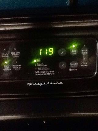 Ajuste el temporizador de 1 hora y veinte minutos y conseguir esos pequeños individuos en el horno.