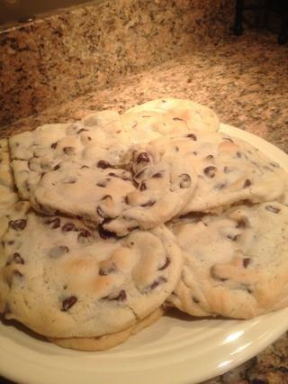 Me puse la mía en un plato una vez que se habían enfriado. Voila! Ahora tiene deliciosas galletas de chocolate!