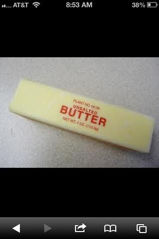 Tome la mantequilla a temperatura ambiente y batir durante unos 2 minutos.