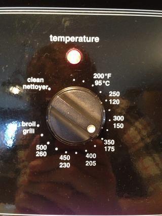 Precaliente el horno a 350 ° F / 175 ° C.