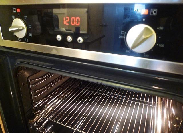 Precaliente el horno a 200 grados C (400 grados F).