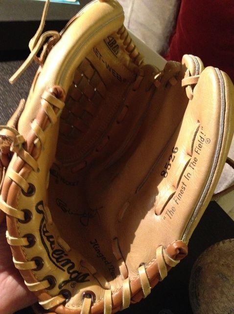 Fotografía - Cómo romper en un guante de béisbol